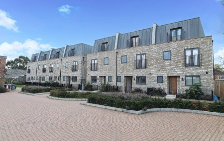 MEWS CLOSE, A stunning gated development of 7 spacious properties