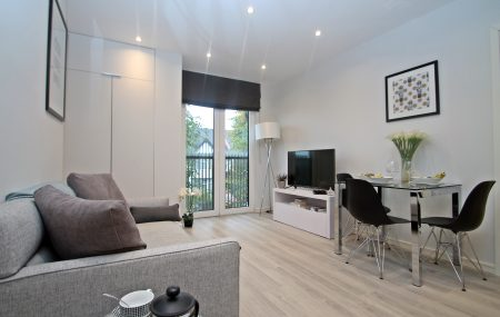 ** LAST REMAINING APARTMENT IN THE SOUTH WING ** Dual aspect ** Hill view balcony