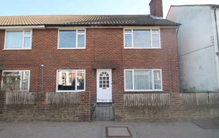 TWO DOUBLE BEDROOM GARDEN MAISONETTE WITH GARAGE